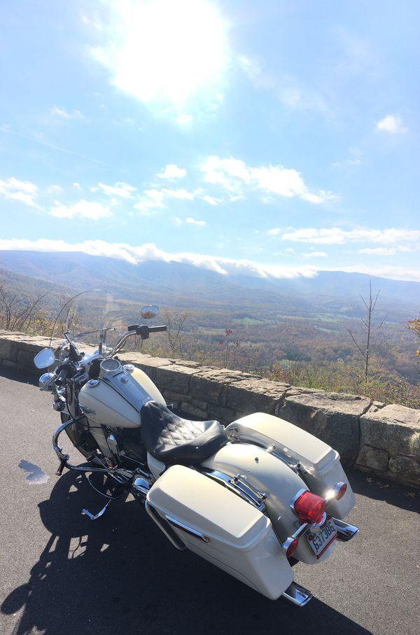 2015 Harley Davidson Road King with 10k miles
