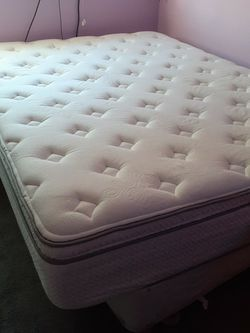 Queen Mattress Pillow Top for Sale in Fort Worth,  TX