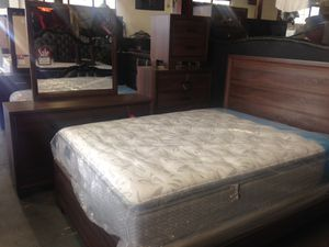 Brown bedroom set for Sale in Baltimore, MD