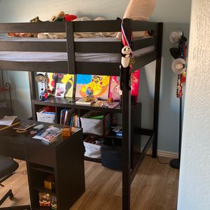 Full Size Kids Bunk Bed With Desk And Chair for Sale in Peoria, AZ
