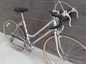 College students look: Schwinn 10-speed bike with step-through frame, fits 5'2 to 5'7 for Sale in Portland, OR