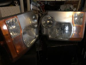Used Land Rover LR3 headlight assembly for Sale in Morton Grove, IL
