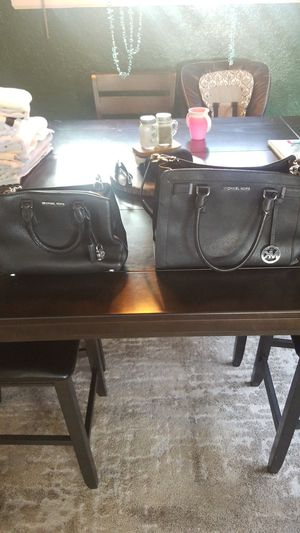 Michael Kors purse for Sale in Tacoma, WA