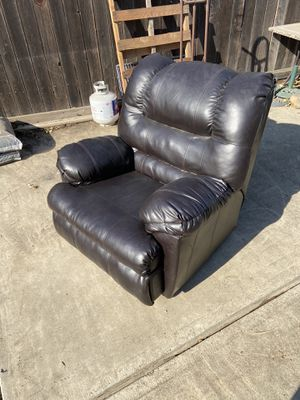 Recliner for Sale in Sacramento, CA