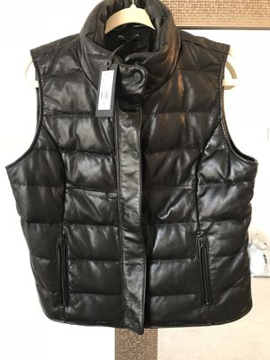 Kenneth Cole women's leather vest, size L for Sale in Lansdowne, VA