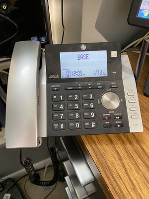 AT&T phone system w/2 extra handsets for Sale in Strasburg, VA