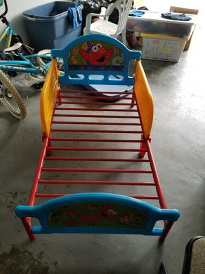 Elmo toddler bed for Sale in Houston, TX