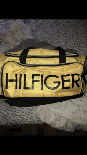 Tommy Hilfiger duffle bag for Sale in Virginia Beach, VA