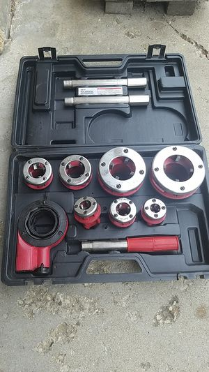 Free Harbor freight threading tools for Sale in Streamwood, IL