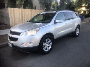 2009 Chevy traverse LT por for Sale in Fresno, CA
