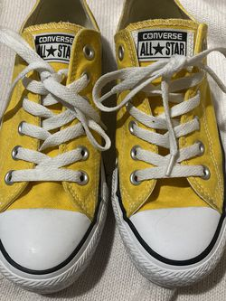 Yellow Converse Men's Size 5 Women's Size 7 for Sale in Henderson,  NV
