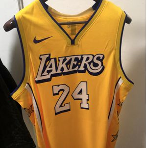 Size 54 XL Lakers Kobe Jersey for Sale in Selma, CA