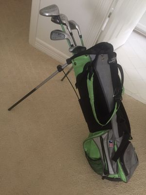 US Kids golf bag and clubs for Sale in Houston, TX