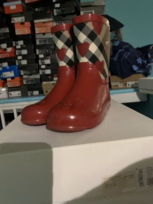 Burberry rain boots size 4 for Sale in Chicago, IL