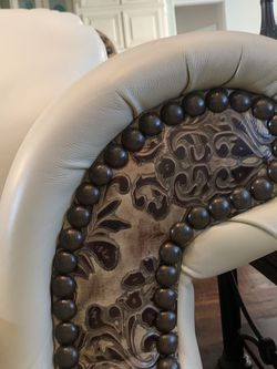 Custom Leather Couch & Loveseat for Sale in Flower Mound,  TX