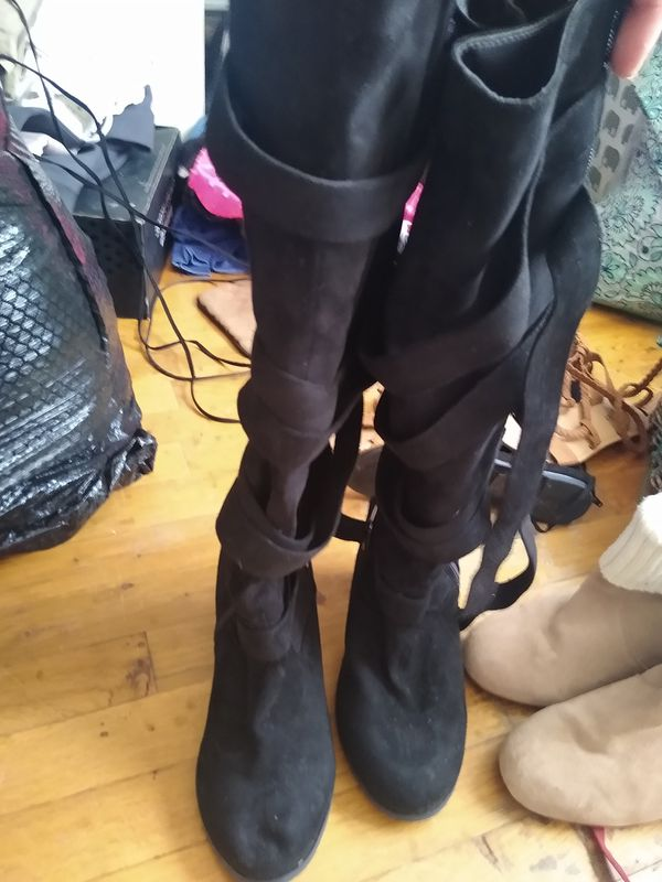 Size 9 women's knee high boot