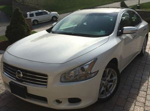 $1,OOO Selling my 2OO9 Nissan Maxima. for Sale in Columbia, SC