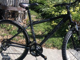 Trek 3700 Black for Sale in San Jose,  CA