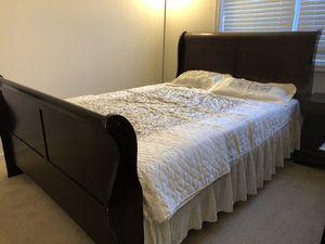 Bedroom set queen for Sale in Ashburn, VA