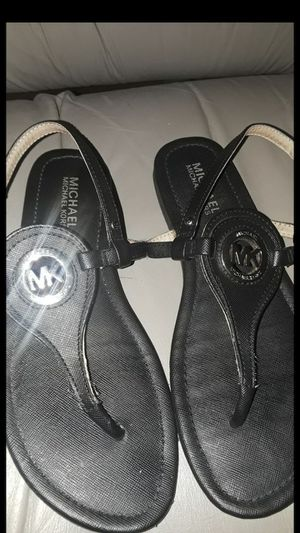 Michael Kors sandals size 7 for Sale in Pompano Beach, FL
