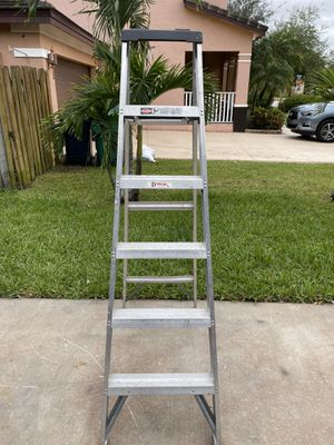 6ft aluminum ladder for Sale in Miami, FL