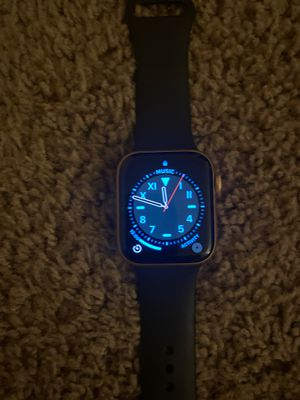 Apple s4 rose gold 44m gps and cellular for Sale in Tigard, OR