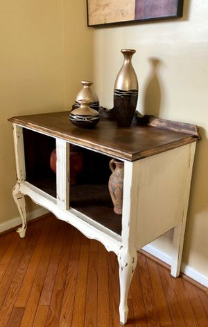 Small buffet table for Sale in Gainesville, VA