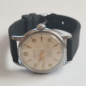 Vintage Collectible ROGERS automatic watch in running condition. Has high grade 25 jewels automatic movement. for Sale in New York, NY