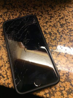 iphone 6 plus cracked screen atat or cricket for Sale in Kingsburg, CA