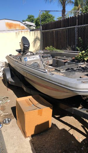1977 Ranger Bass Boat 17 foot with Mercury 1150 Outboard (125-150hp) and Trailer for Sale in Los Angeles, CA