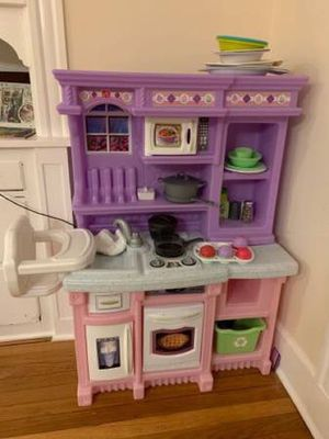 Step 2 Kitchen Play Set with Accessories for Sale in Brookline, MA