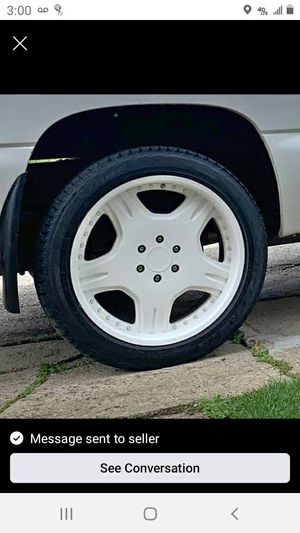 22s Escalade chevy wheels 6 lug for Sale in Gibsonia, PA