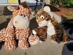 Large cuddly stuffed animals for Sale in Spring, TX