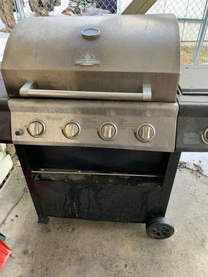 Free grill needs cleaning but works for Sale in Anchorage, AK
