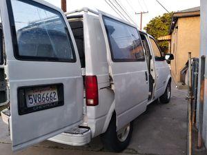 Vendo van astro. Automatica motor y transmicion al 100 for Sale in Long Beach, CA