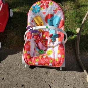Baby chair for Sale in Wyoming, MI