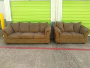 Brown couch and loveseat for Sale in Sun City, TX