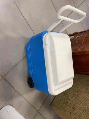 Cooler for Sale in Oakland Park, FL
