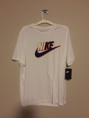 Brand new Nike tee shirt size large with tags $20 no less pick up in east Dallas for Sale in Dallas, TX