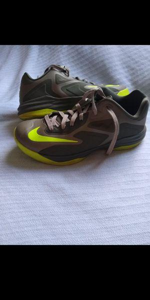 Nike lebron james size 10 men for Sale in Chula Vista, CA