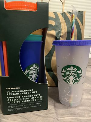 Color changing cup set and color changing confetti cup bundle for Sale in Houston, TX