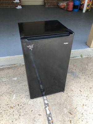 Mini Fridge 3.3cu for Sale in Windermere, FL
