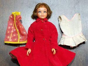 Vintage Skipper Doll Matel Barbie TNT Eyelashes. Includes 3 outfits. Model 1105. Mattel stamped 1963. for Sale in Phoenix, AZ