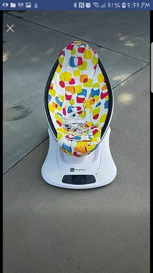 4moms mamaroo swing/bouncer for Sale in Visalia, CA
