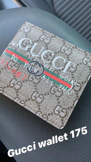 Gucci wallet for Sale in Suwanee, GA