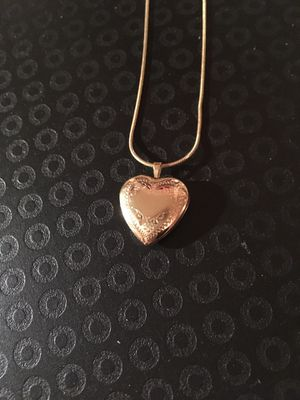 "14K Gold Heart Locket and 18"" chain for Sale in Puyallup, WA"