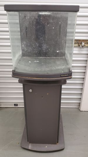 Used 28gal aquarium with stand for Sale in Kent, WA