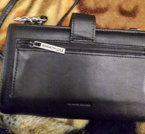 Kenneth Cole purse for Sale in Glendale, AZ