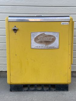 Vintage 1960s Squirt Soda Vending Machine for Sale in Boise,  ID