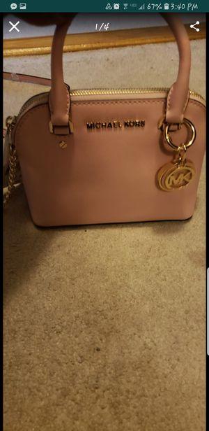 Michael kors crossbody bag for Sale in Lorton, VA
